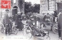 65 -  LOURDES  -  Voitures De Malades - Lourdes