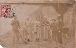 Rare Carte Photo Scène De Vie D'une Ferme Mayennaise Année 1910 - Autres Communes