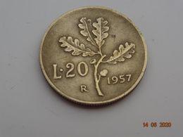 Une Piece 20 Lires Ramo Di Quercia 1957 - 1946-… : Republic