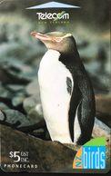 NOUVELLE-ZELANDE  -  Phonecard  -  NZ Birds -   Yellow-Eyed Penguin  -  $ 5 - Nuova Zelanda