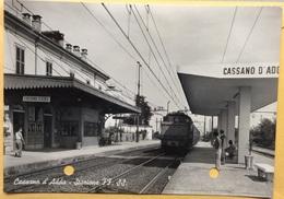 1956 Cassano D'Adda Stazione Ferroviaria / Milano - Gares - Avec Trains
