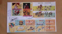Enveloppe Argentine Distribuée Avec Des Jouets En Bloc, Des Marionnettes Et Autres - Argentina
