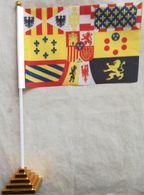 Banderín Bandera Rey Alfonso XIII. España. 1931. De Sobremesa - Drapeaux