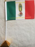 Banderín Bandera Cristeros. Cristo Rey, Virgen De Guadalupe. Méjico. 1926-1929. De Sobremesa - Drapeaux