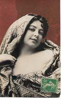 "L100G191 -  Superbe Visage De Femme Sur Carte ""sablée"" -  N°440/1 - Femmes"
