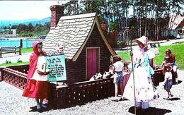 Storytown USA Petit Chaperon Rouge Les Trois Petits Cochons - Lake George