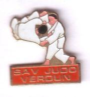 C31 Pin's Judo Club Verdun Meuse Achat Immédiat - Judo