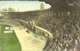 REIMS  -- Le Stade Et Les Tribunes Un Jour De Match                        -- La Cigogne 37     Cpsm - Reims