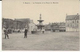 14 - 2110 + -  BAYEUX - Place Du Marché - Bayeux