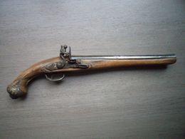 Grand Pistolet Ancien Epoque XVIIIème Siècle à Identifier ?? - Armes Neutralisées