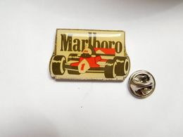 Superbe Pin's , Auto F1 , Formule 1 , McLaren Honda , Tabac Marlboro - Ford