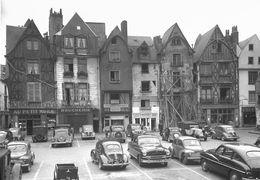 8183 - 37 - INDRE ET LOIRE - TOURS - Place Plumereau - Tours