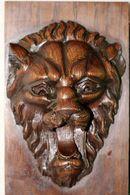 646 - Ancienne Sculpture Bois Massif - Tête De Lion Rugissant Sur Panneau - Bois