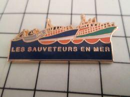 316a Pin's Pins / Beau Et Rare / THEME : BATEAUX / SNSM SAUVETEURS EN MER Par DECAT - Boats