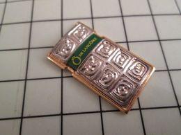 413g Pin's Pins / Beau Et Rare / THEME : PARFUMS / FLACON DE PARFUM Ô DE LANCÔME - Trademarks