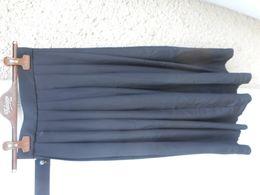Jupe Plissée Noire Vintage 38 - Vintage Clothes & Linen