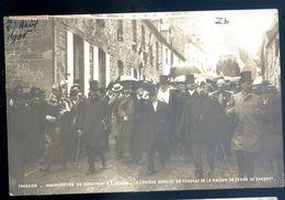 Cpa Du 22 Tréguier Inauguration Du Monument De Renan -- Se Rendant Au Banquet   AVR20-167 - Tréguier