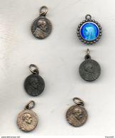 Lot De 6 Toutes Petites Médailles. 5 De Pie XII Et Une De Marie. Diam 10mm - Italy