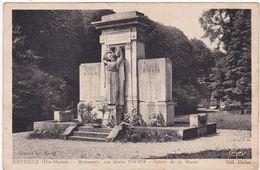 Haute Marne : JOINVILLE : Monument Aux Morts 1914-1918 : Square De La Marne  ( Militaria ) - Joinville