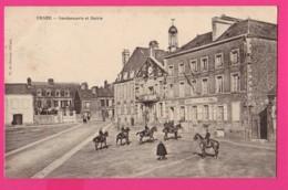 CPA  (Réf: Z 3101) ERNÉE (53 MAYENNE) Gendarmerie Et Mairie  (très Animée, Chevaux) - Ernee