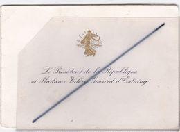 Carte Double. Voeux: Le Président De La République Et Madame Valéry Giscard D'Estaing Avec Signature - Anno Nuovo