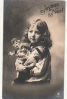 ***** Portrait D'enfant Avec Ses Poupées TTB écrite  Le Gendarme De Guignol écrite TTB - Portraits