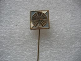 Epinglette Embleme STEYR PUCH. Moteurs, Voitures Et Motos - Pin