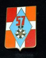 Rare Insigne 57 Régiment D'infanterie - Hueste