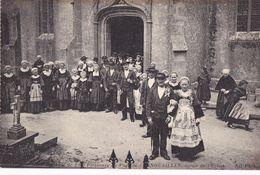 CARTE POSTALE ANCIENNE  BRETAGNE NOCE BRETONNEDU PAYS DE CORNOUAILLES  EDITIONS / ND PHOT N° 3 - Bretagne