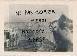 PHOTO Année 1943 Pris Du GEORGES LEYGUES Bateau Croiseur Cuirassé Entrant à CASABLANCA Le Richelieu Dans Le Port - Bateaux