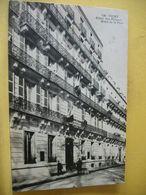 L2 9523 CPA 1915 - 03 VICHY. HOTEL DES PRINCES. HOTEL DE LA PAIX (HOPITAL AUXILIAIRE N° 46) ANIMATION. CACHET MILITAIRE - Vichy