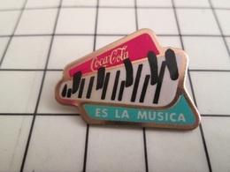414c Pin's Pins / Beau Et Rare / THEME : COCA-COLA / COCA-COLA ES LA MUSICA TOUCHES DE PIANO - Coca-Cola