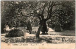 61thh 940 CPA - LUXEUIL LES BAINS - DANS LE PARC - Luxeuil Les Bains