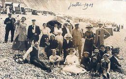 Cpa Carte Photo LE TREPORT 76 Groupe Sur La Plage, Juillet 1911, Chapeaux, Casquettes,...bonnet - Le Treport