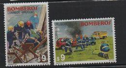 LOT 646 - URUGUAY    N° 1932/1933 ** -  POMPIER  - Cote 10 € - Firemen