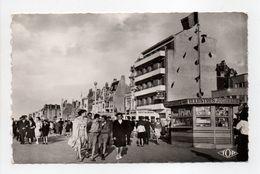 - CPSM MALO-LES-BAINS (59) - Digue Promenade 1957 - Editions TOP 117 - - Malo Les Bains