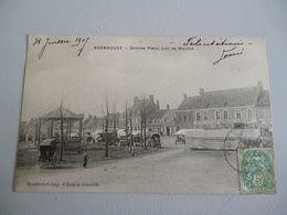Wormhoudt  Grande Place Jour De Marché - Wormhout