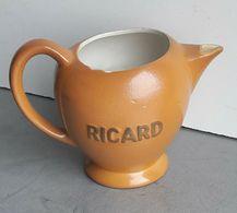 Jolie Ancienne Carafe (pichet) Ricard - Jarras
