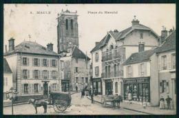 FRANCE -MAULE - Place Du Marché. ( Nº 2) Carte Postale - Maule