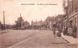 02 - N°110758 - Moy-De-L'Aisne - La Place Et Le Monument - Autres Communes