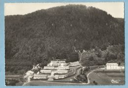 TH0766 CPSM    SENONES  (Vosges)   Colonie U.F.O.V.A.L.  Léo Lagrange Et La Roche Mère-Henry - Vue Aérienne  ++++ - Senones
