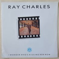 Ray Charles : I Wonder Who's Kissing Her Now - She's On The Ball SP 45 - Blues