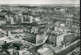 14 - Caen : Place Du Maréchal Foch - Hotels Malherbe Et Beauséjour - Cliché Rancurel - Caen