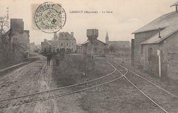 CPA:LANDIVY (53) LA GARE..ÉCRITE - Landivy