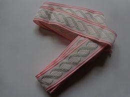 Dentelle Broderie Rose Gris 2.20m - Vintage Clothes & Linen