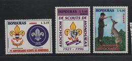 LOT 396 -  HONDURAS PA  N° 863/865 ** - SCOUTISME - BICHE  - Cote 6.50 € - Unused Stamps