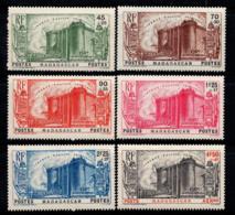 Madagascar 1939 Yv. 209-13, PA 15 Neuf ** 100% Révolution - Madagascar (1889-1960)
