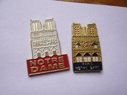 2 Pin S PARIS NOTRE DAME Different - Villes