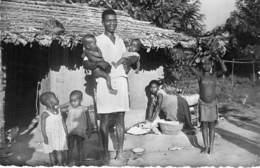 CENTRAFRIQUE Ex AOF - OUBANGUI CHARI Mission Des Pauvres ... Un Heureux Papa - CPSM PF Afrique Noire Africa - Central African Republic