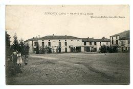42 - Loire - Lentigny Un Cote De La Place (N0483) - Sonstige Gemeinden
